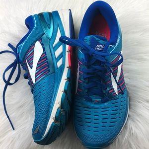Like new Brooks Transcend 5 running shoes 9